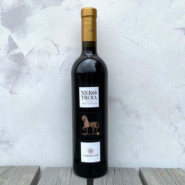 Nero di Troia bottle